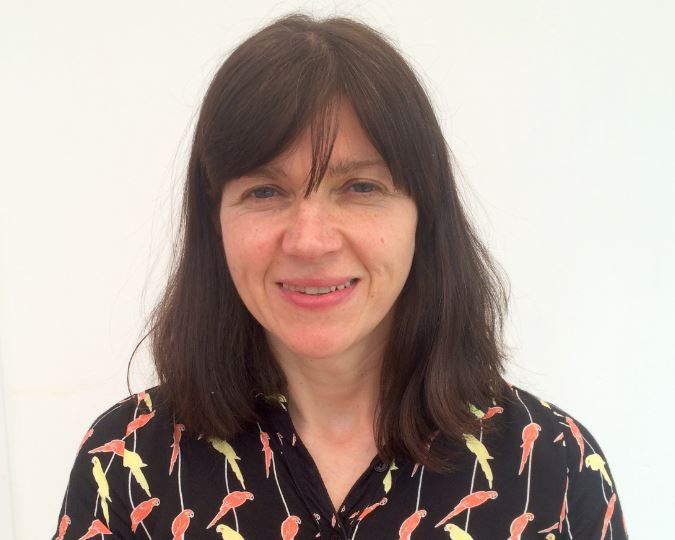 Dr Lorraine King